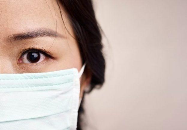 acné por el uso prolongado de mascarillas
