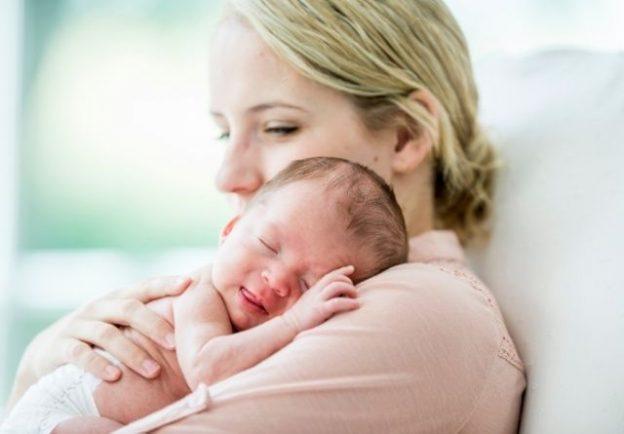 Conoce cómo tratar la costra láctea en bebés