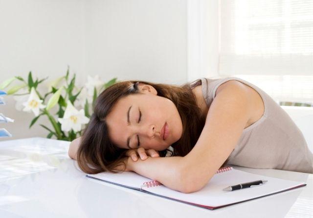 Las vitaminas para la astenia primaveral combaten el cansancio