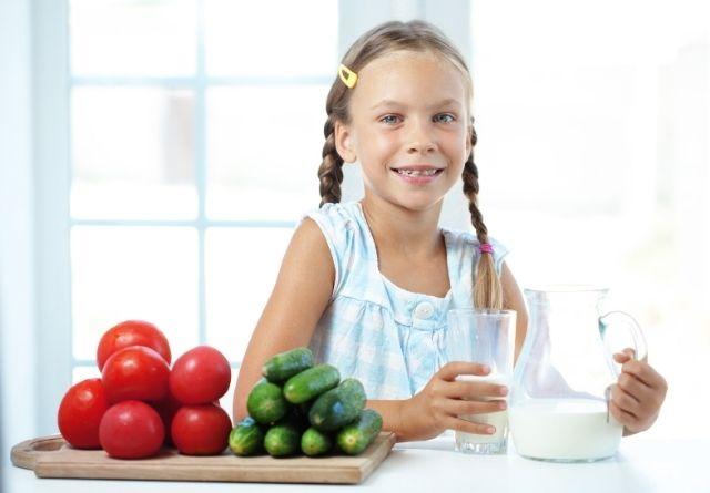 Hay una relación entre consumo de leche y estatura física en niños y adolescentes