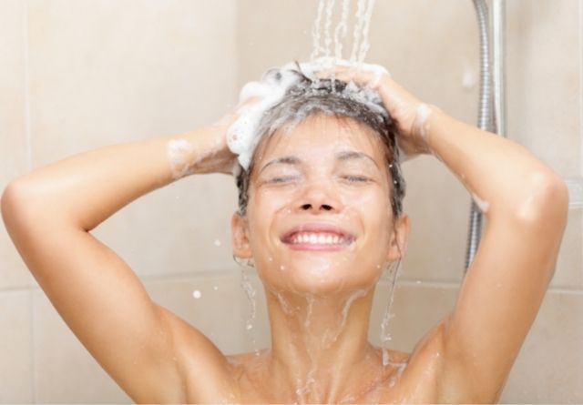Antes de usar ela fter sun se hace imprescindible una ducha.