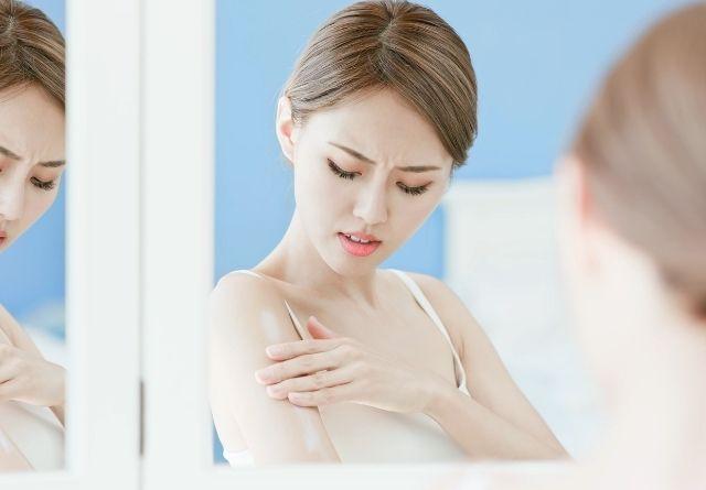 La piel atópica puede empeorar en verano.
