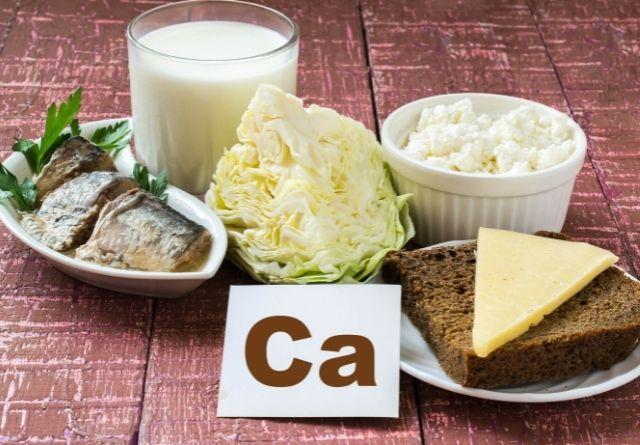 Se aconseja consumir alimentos que protejan el esmalte dental.