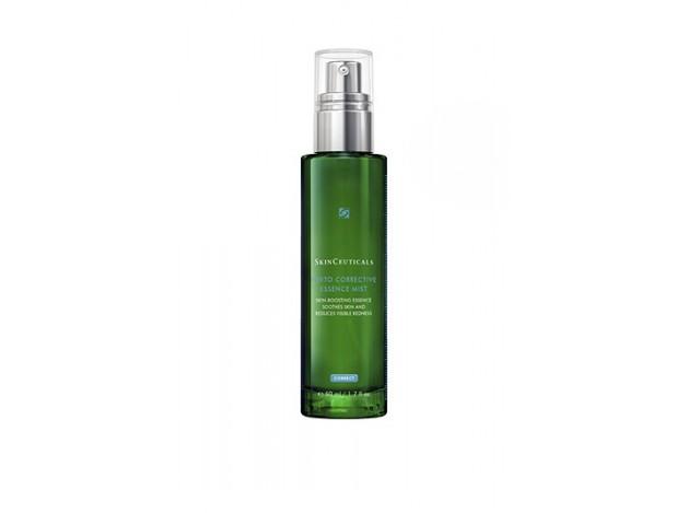 Phyto Corrective Essence Mist de Skinceuticals confiere a la piel una hidratación extra.
