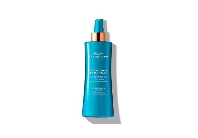 Un prolongador del bronceado de farmacia ayudará a mantener el dorado de tu piel.