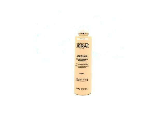 Lierac Areskin Crema Cuerpo es un bálsamo que mejora los signos de la menopausia sobre la piel